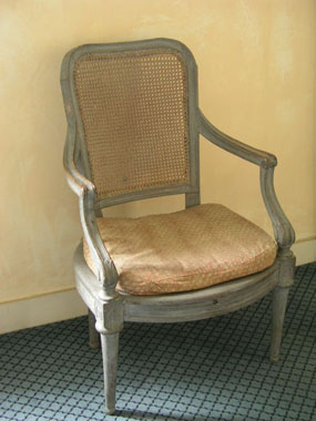 Image of chair  [Click here to close this image]
